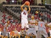 Williams and Calhoun lead men's basket